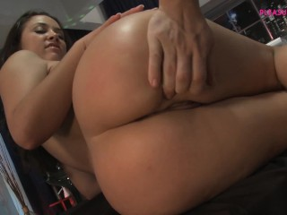 HORNY BRUNETTE DANCE BEFORE ON POOL AND THEN ON MY COCK