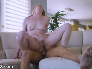 EroticaX – Lacy Lennon Squirts & Slobbers On Big Dick